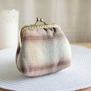 Lovely Japanese gingham first dyed fabric, large-capacity gold bag, coin purse, coffee