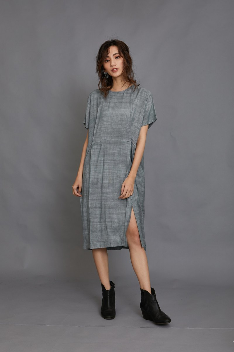 pleats dress-lake-fair trade