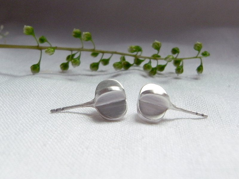 Tiny Seed--Sterling Silver--Silver Cross --Cute Seed Stud Earrings