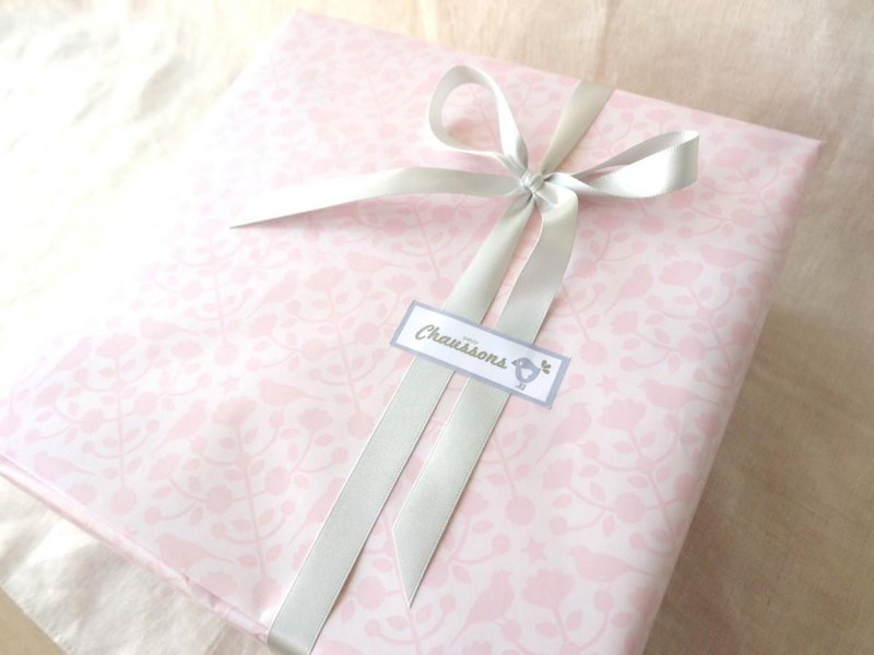 Boxed paying wrapping (for baby boots) Pink × Silver ribbon