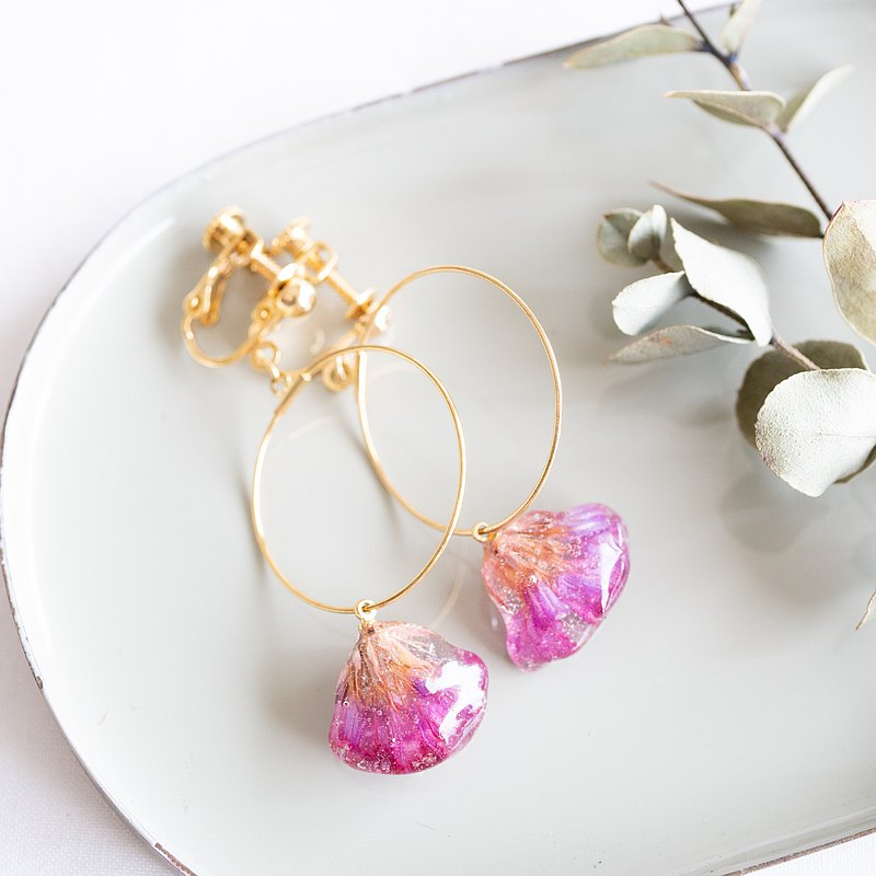 Wavyleaf sea-lavender hoop earrings
