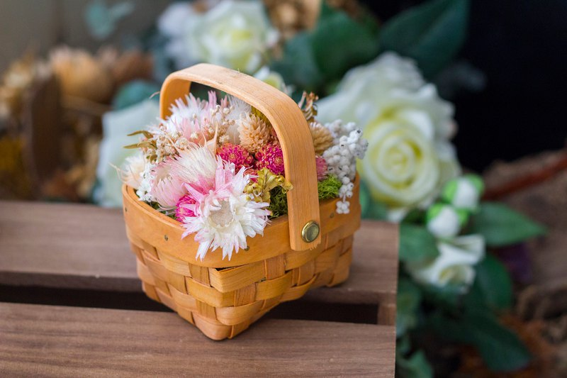 [afternoon 邂逅] bamboo products / flower basket / dry flowers / Valentine's Day / graduation gift / birthday gift