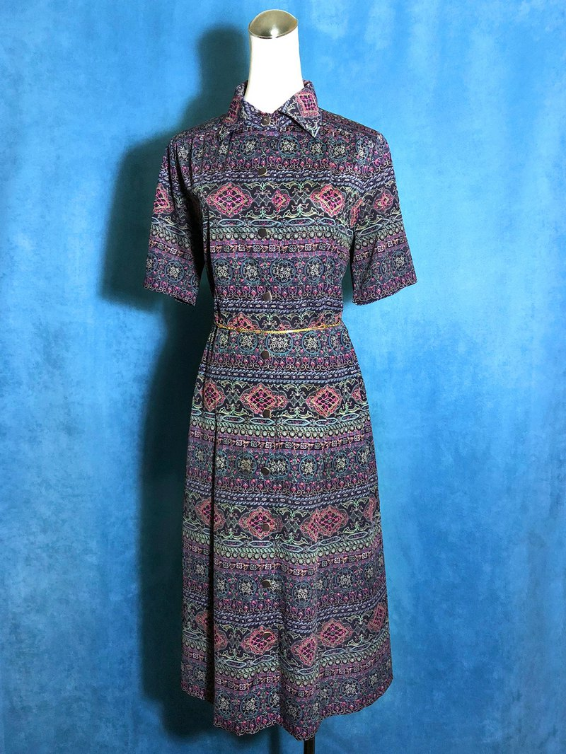 European totem short-sleeved vintage dress / brought back to VINTAGE abroad