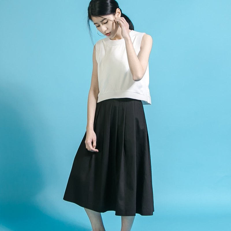 Overlapped Classic Pleated Skirt_6SF201_Black