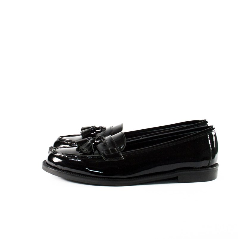 ITA BOTTEGA [Made in Italy] black patent leather tassel loafers