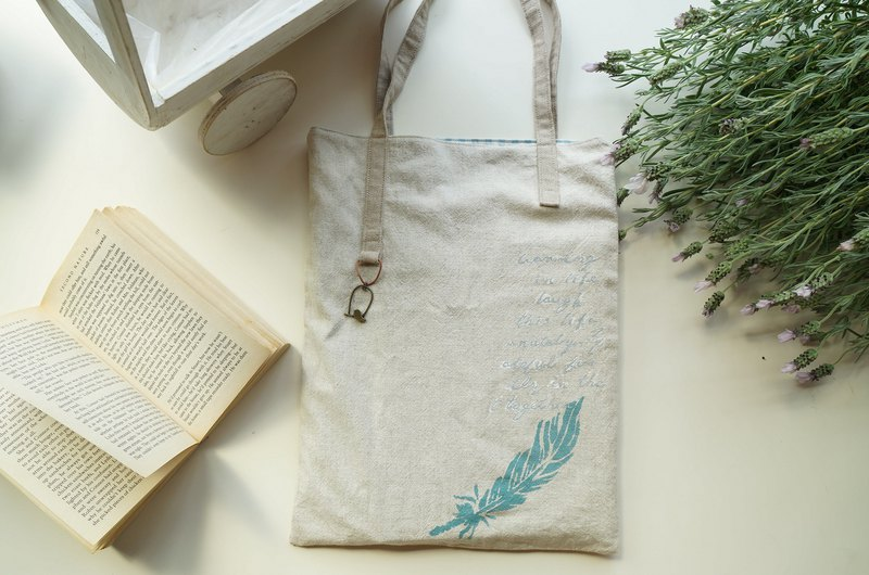 Hand-pantined Classic feather English word soft bag shoulder Ornaments bird