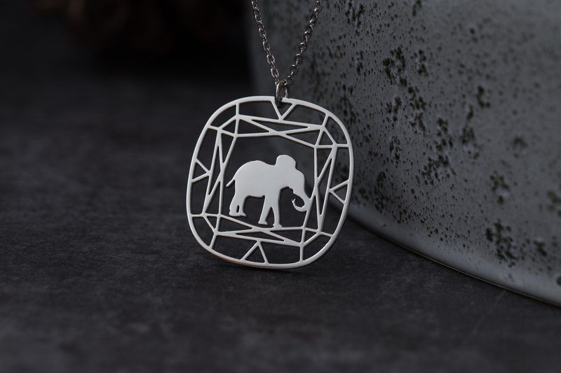 Anti-allergy medical steel gems and animals series-elephant