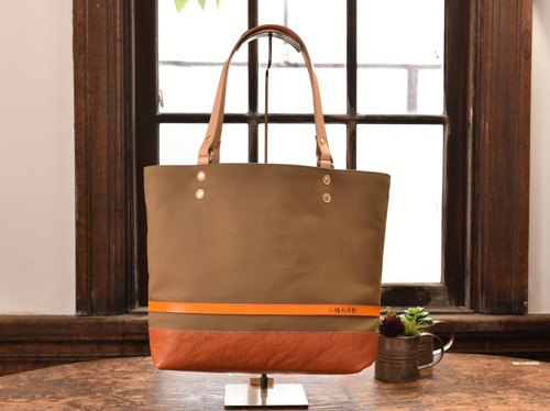 [Pre-fall color] Tote bag made of leather and canvas from Takashima Brown L size