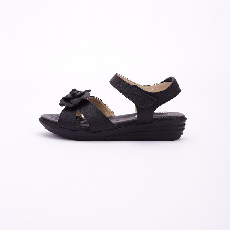 Large size sandals 41-45 Taiwan made temperament camellia girl leather cushion thick bottom sandals 4cm black