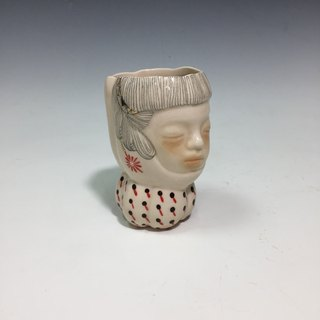 Blonde fork with safflower earrings