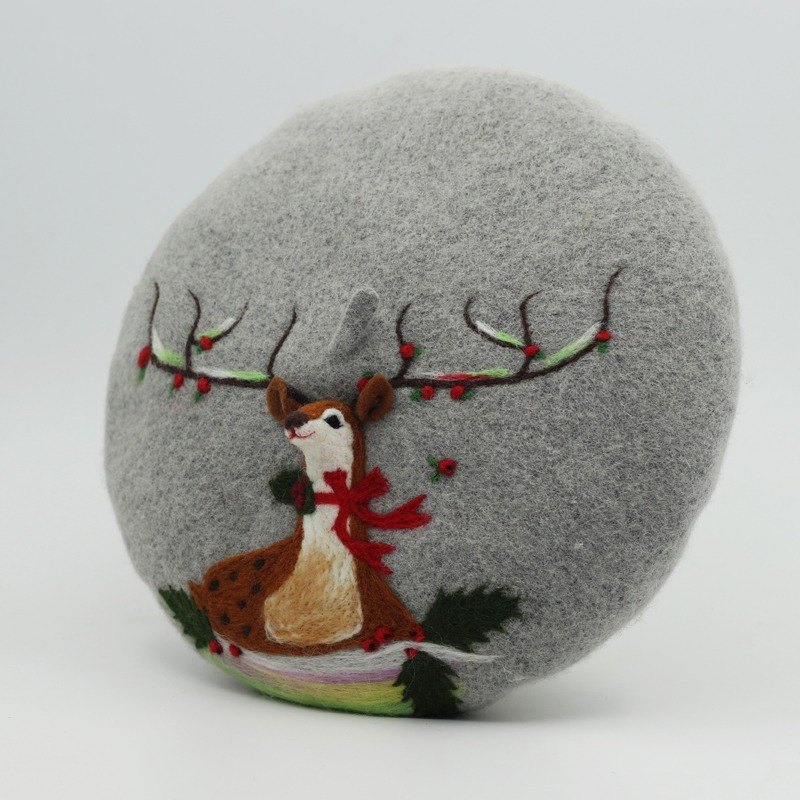 Christmas gift original handmade wool felt beret painter cap needle felting perspective deer - gray