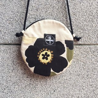 toutoubags/ big pie bags-beauty flower(black)