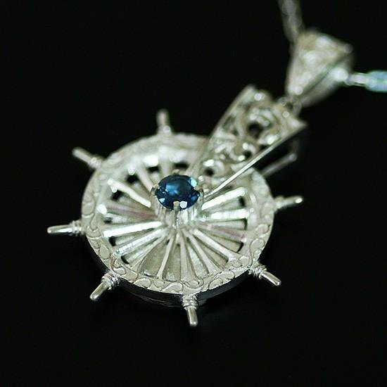 Pendant of steering wheel decorated with arabesque 【free shipping】 Topaz shining spinning wheel Silver made necklace
