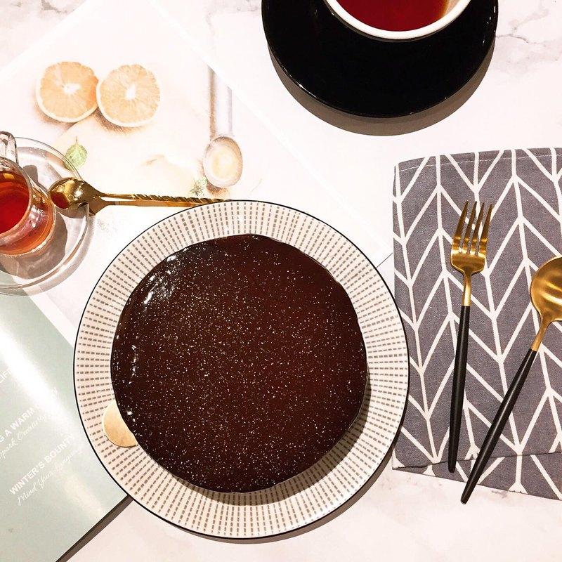 星空-濃巧克力夏威夷果慕斯蛋糕-6吋