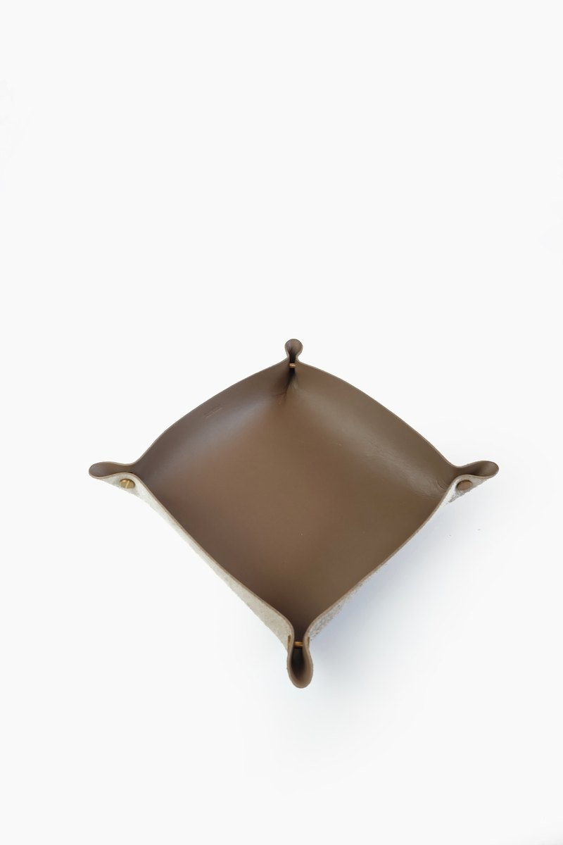 Alfred Valet Tray in Taupe, Large