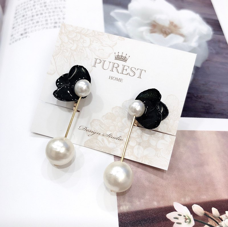 PUREST HOME Hydrangea Japanese Cotton Pearl Earrings \ Black / Gift Box