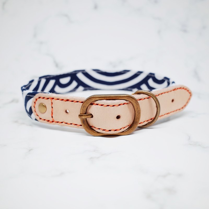 Dog collar wide 2.5 cm rounds (without tag) and wind and waves wandering + planted leather leather + Korean cloth gift bell gift