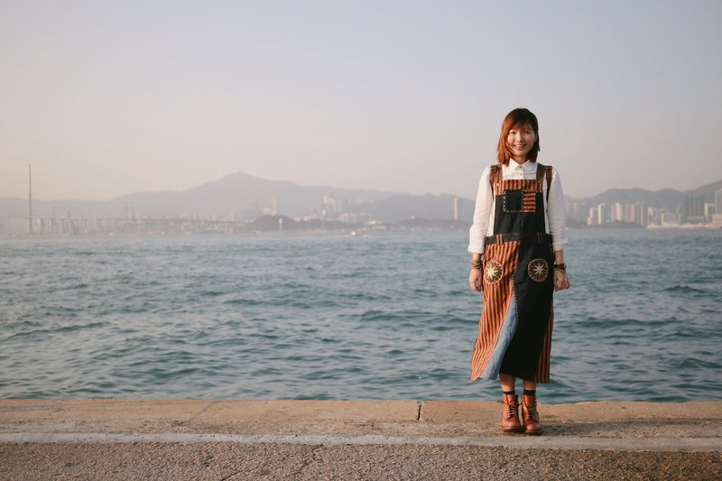 【Denim Overall Dress with Handwoven Ethnic Fabric and Handstitched Pockets】(Dark