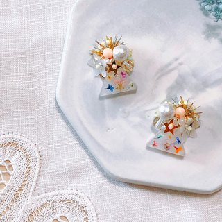 Flower Book Series - Stars on the flower pot hand-sewn dry flower temperament ear pin / ear clip