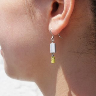 【P-62】Electronic parts pierced earrings/yellow capacitor/alminium spacer/