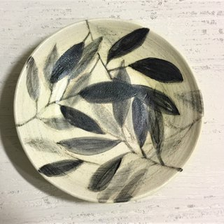Ink leaf - Shallow _ pottery plate