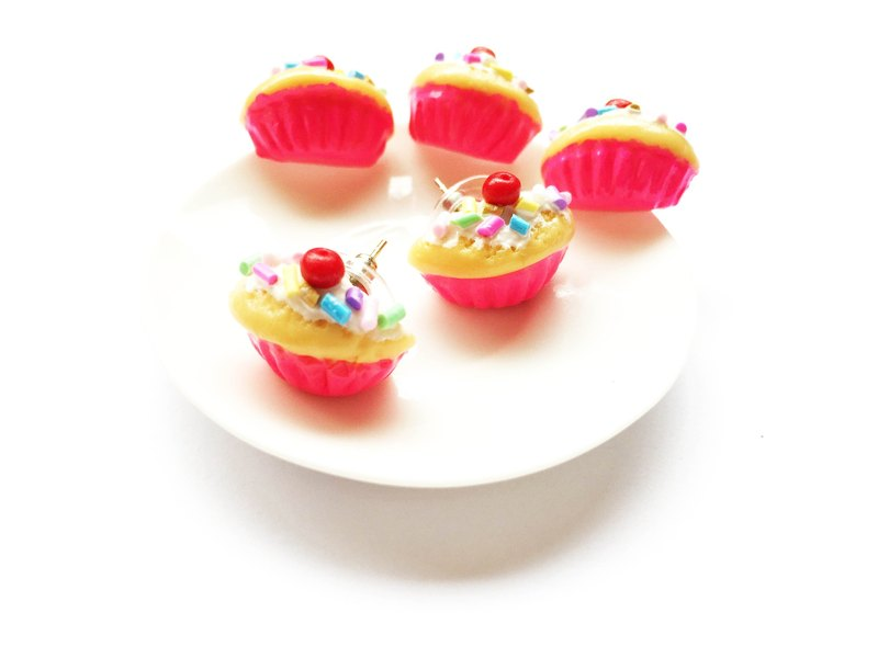 Earrings pink cupcakes