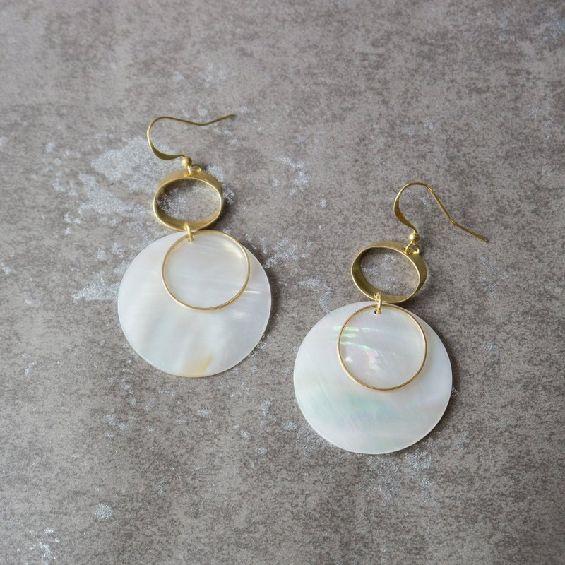 geometric. Brass Natural White Bay Round Earrings-2