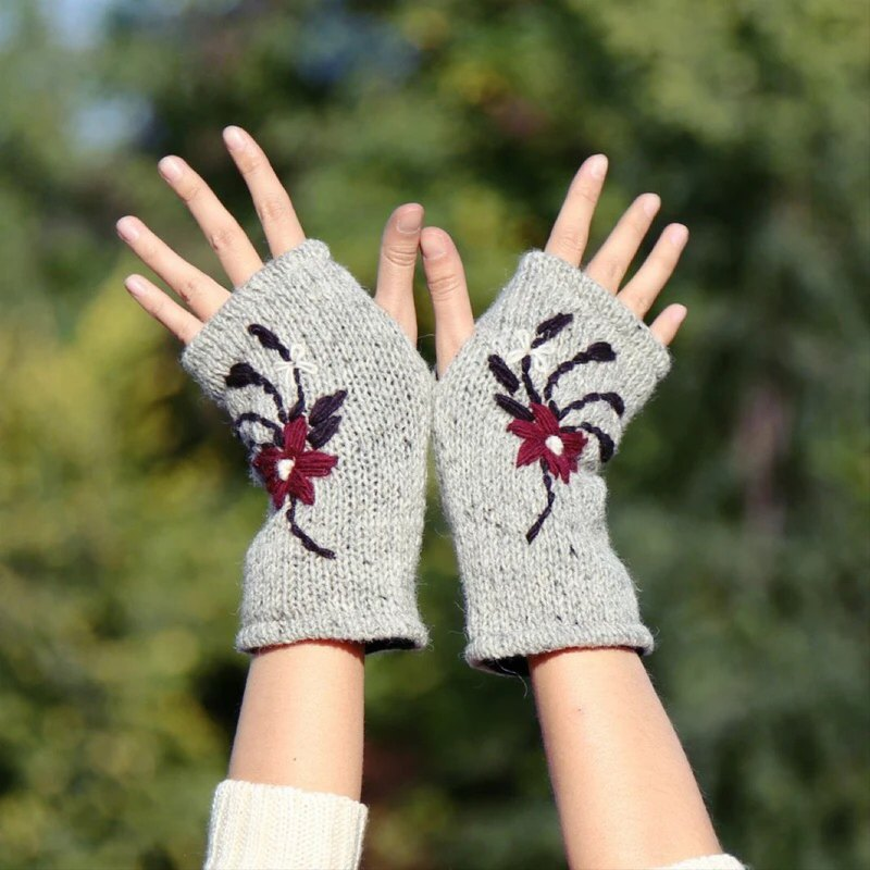 Wool gloves fingerless hand-embroidered inner fleece for warmth