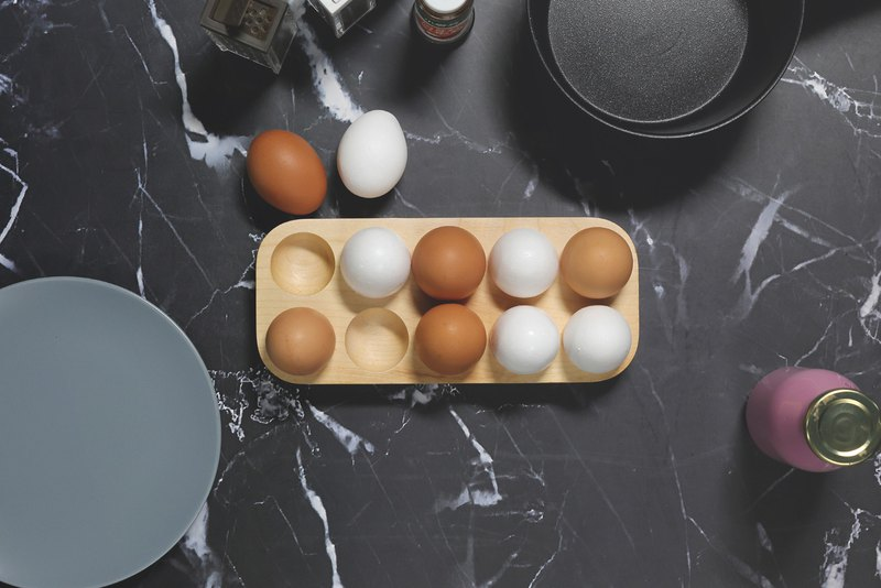 Nordic Egg Stand L (Maple / Walnut)