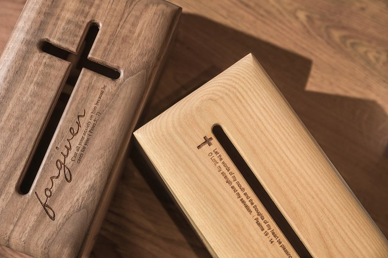 Face paper box (Gospel version) Grace Cross all solid wood simple design hand