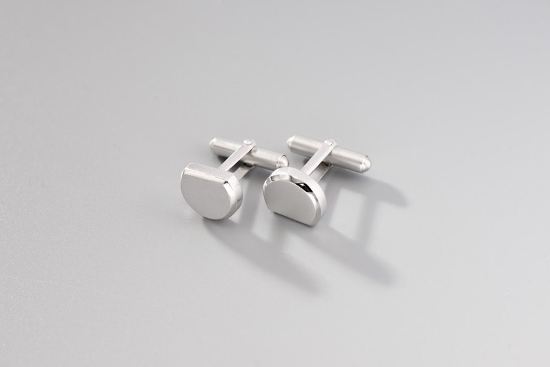 Impossible geometric lines imperfect round silver cufflinks Imperfect Circle Cufflinks