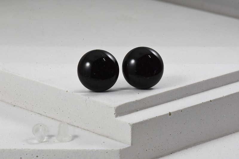 Glass earrings - (circle) Pantone Black
