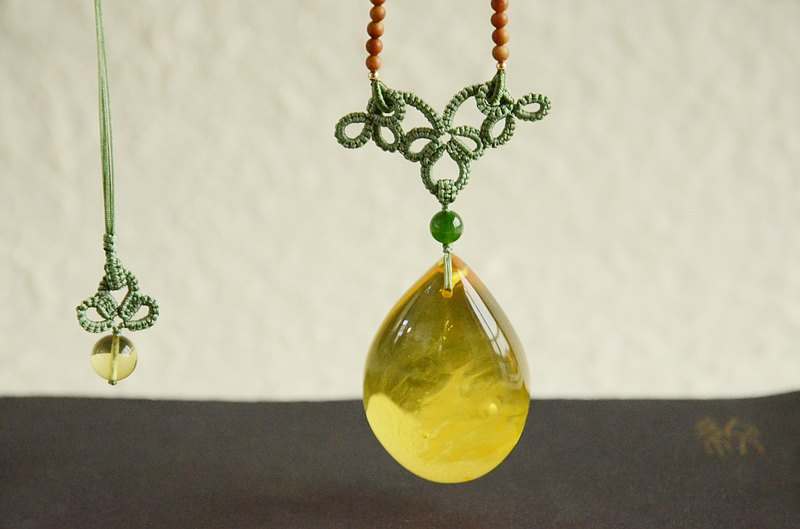 [Listen] Amber Natural Organic Stone Amber Drop Classical Necklace