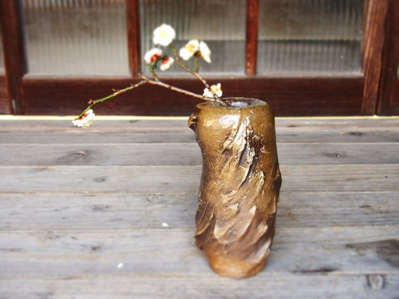 Bizen flower arrangement 【Hand twist】 h3-022