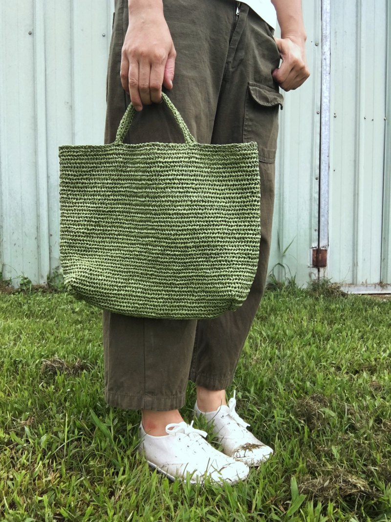Summer straw bag green