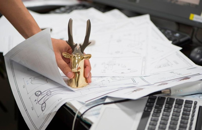 Dear Deer Pliers For Desk