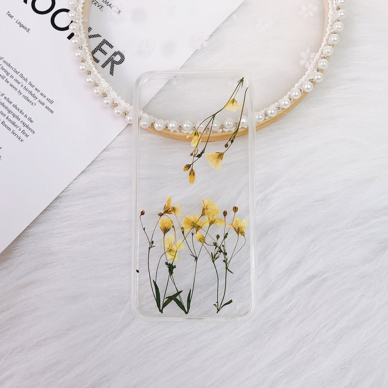Pressed flower phone case