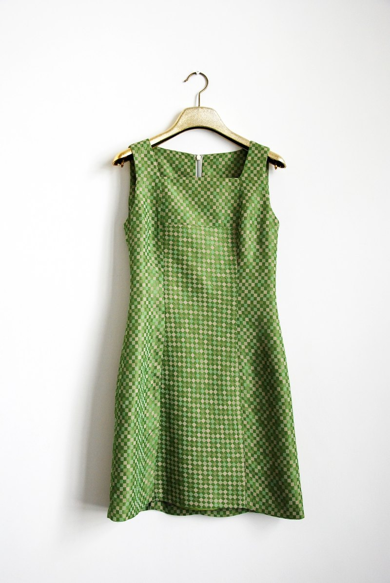 Small box vintage dress