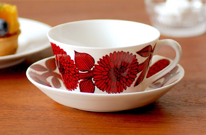 Gustavsberg Red Aster Tea Cup Plate Set