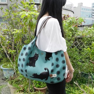 Black cat Japan imported cotton and linen leather shoulder bag / fat flat bag / shoulder bag / side backpack