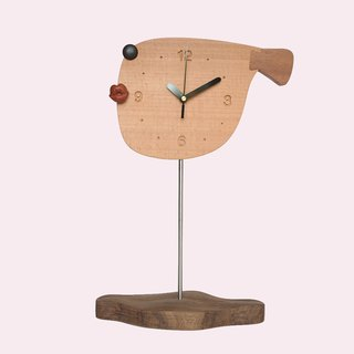 Traveling hard / big fish wooden pendulum clock / fish-shaped creative gifts / furniture desktop ornaments / hard work room