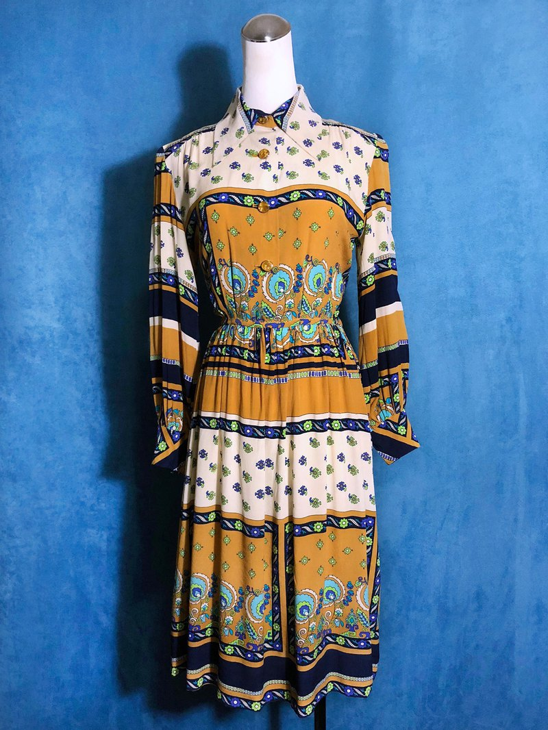 Totem Silk Long Sleeve Light Antique Dress / Bring VINTAGE abroad