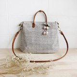 Cross-body Curve Bags Brown Mix White Color with Flower Chains 斜背包