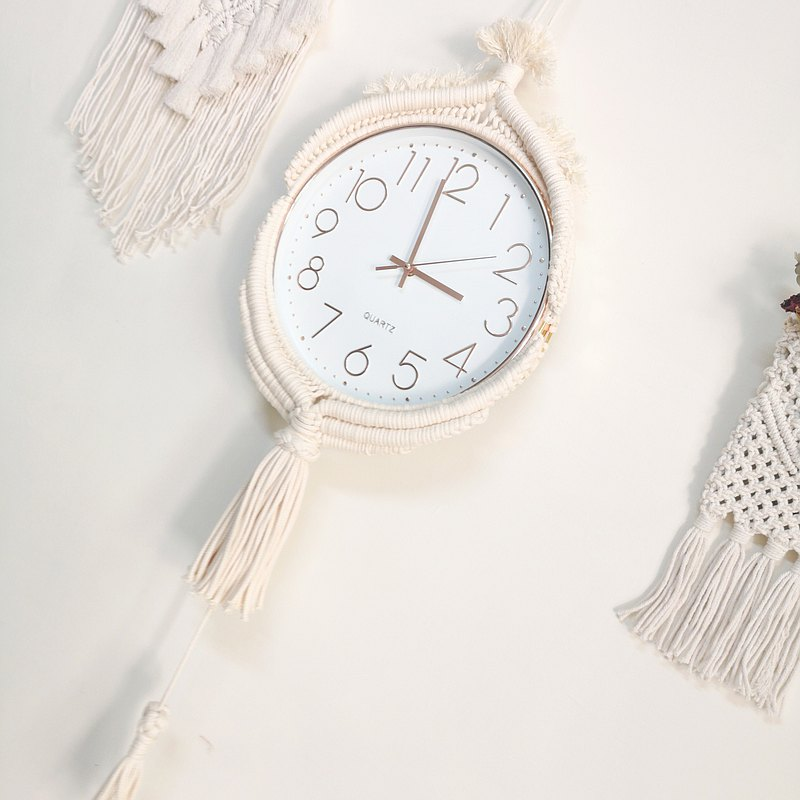 Modeling lace knot wall clock