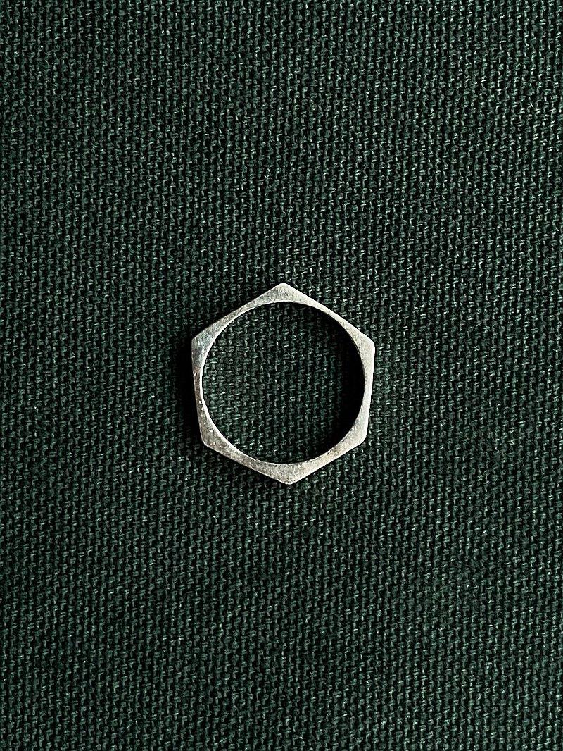 不完美的六角形 - 925純銀戒指