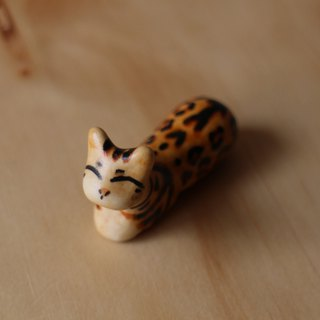 Leopard cat kitten stone (cat type laboratory) single