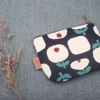 Peaceful little bag - swaying white flowers (dark blue), double-sided two-color Japanese cotton and linen purse