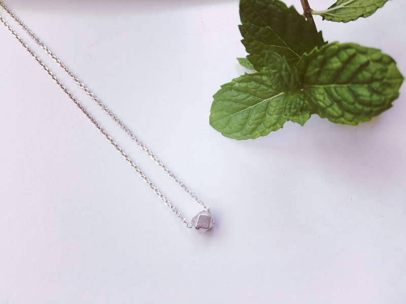 925 sterling silver [mini cube necklace]