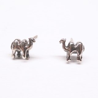 """Ermao Silver"" [camel] Silver earrings (one pair)"