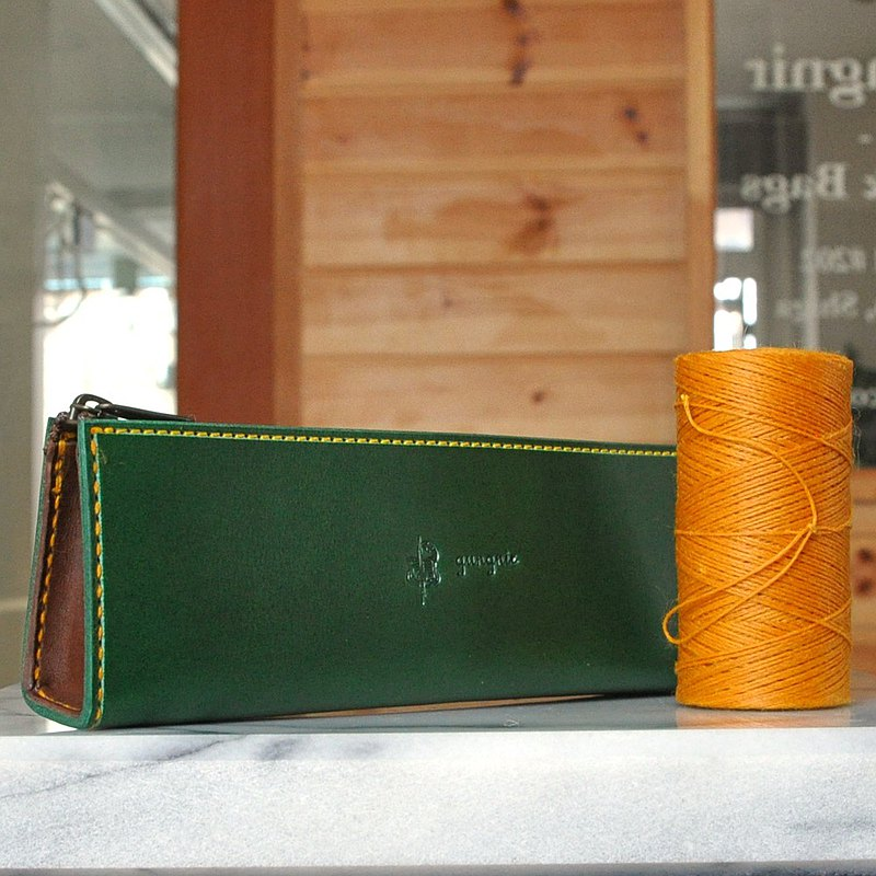 Simple fastener pen case No.5 Buttero
